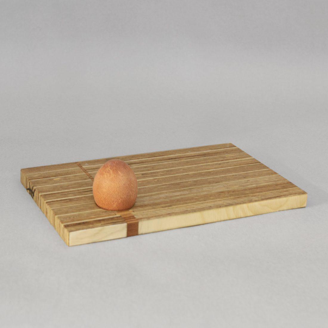 Henny Hendrichs, Frühstücksbrett mit Eierbecher